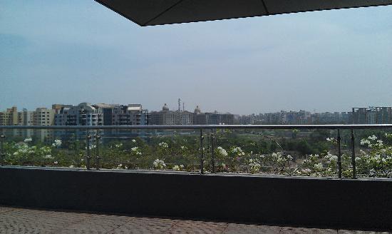 The Westin Pune Koregaon Park: Skyline from breakfast