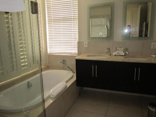 Simola Hotel Country Club & Spa : Bathroom of our suite
