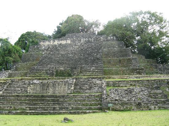 Tanisha Tours: another pyramid