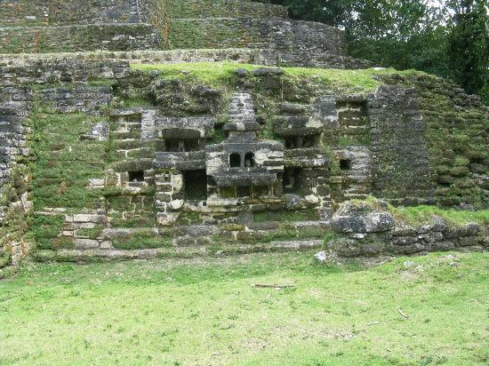 Tanisha Tours: ruins