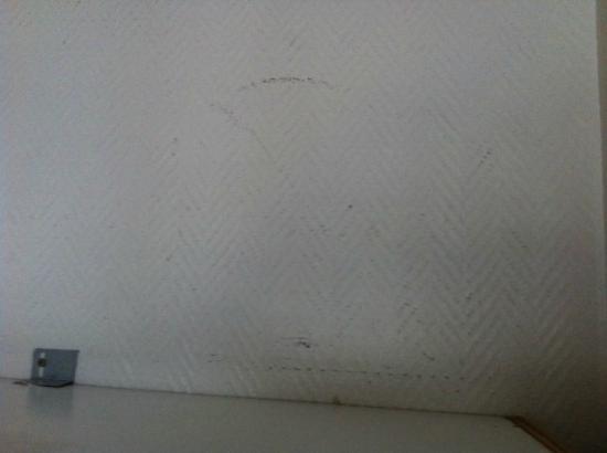 Hotel Amarys Simart: Wall