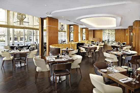Sheraton Grand Hotel & Spa: One Square Restaurant