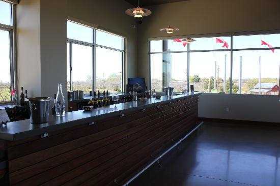 Andis Wines: Andis tasting room