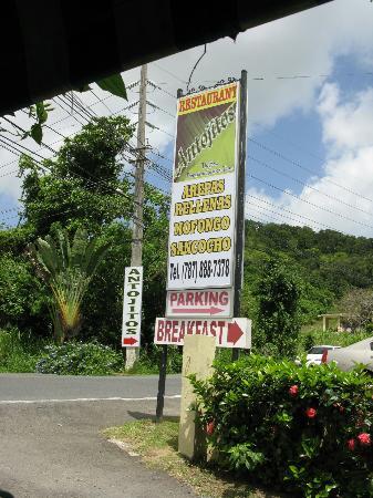 Antojitos Puertorriquenos : Sign