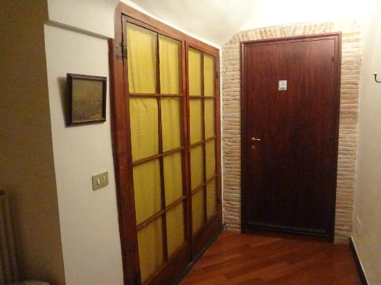 Torre Cepollini: Room entrance