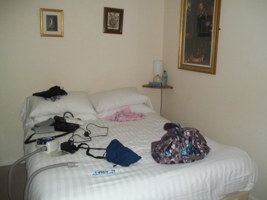The Swan at Forton: small double bed