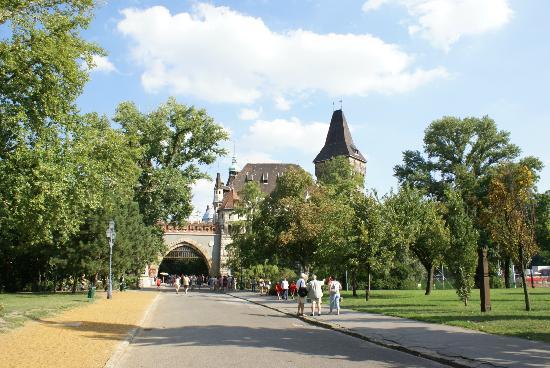 Varosliget : Burg Vajdahunyad