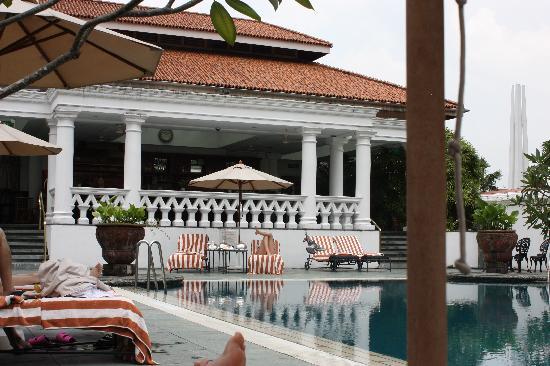 Raffles Hotel Singapore: Pool Bar