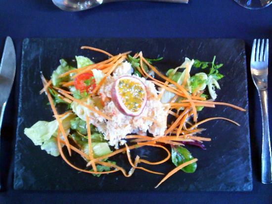Hostellerie Chateau de la Barbiniere : tartare de crabe et julienne de carrotte aux fruits de la passion