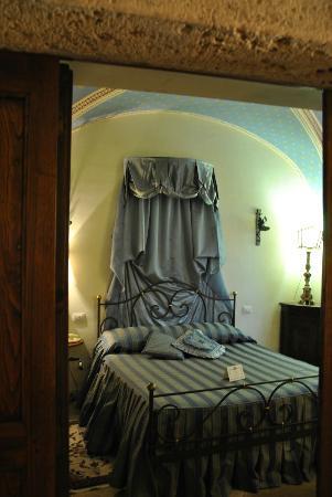 San Crispino Historical Mansion: Camera