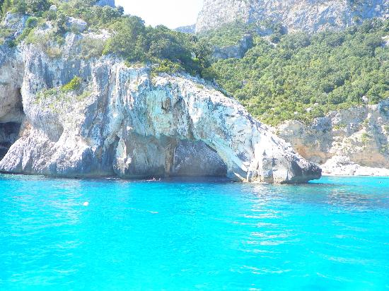 Baunei, Italia: io ci son stata l'anno scorso era settembre bellissimi colori ,consiglio vivamente di andarci
