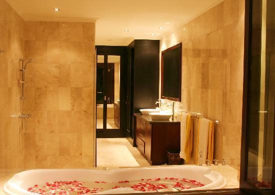 Lalang Temu Villas: Bathroom