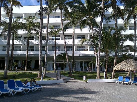 Hotel Riu Naiboa: AREA EXTERIOR