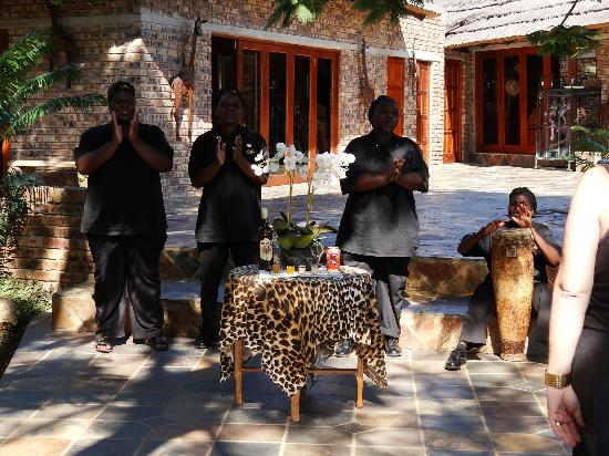 Elandela Private Game Reserve: A TRULY WONDERFUL WELCOME AT THE ENTRANCE
