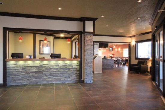 Days Inn High Level: Lobby