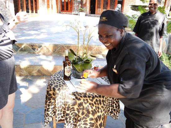 Elandela Private Game Reserve: AMARULA TOTS SERVED WHEN WE ARRIVED
