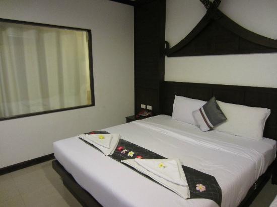 Santi White Hotel