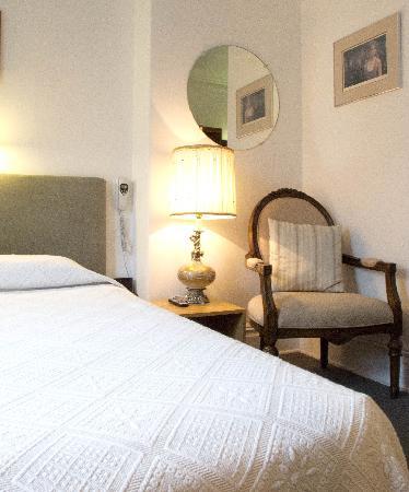 Au Petit Hotel Quebec City Review
