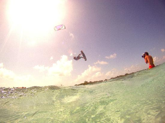 Kitexplorer San Pedro: Flying in the air!