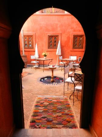 Riad Alisma: vue du patio