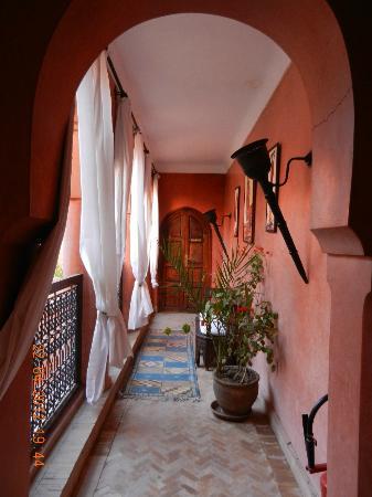 Riad Alisma: l'étage menant aux chambres