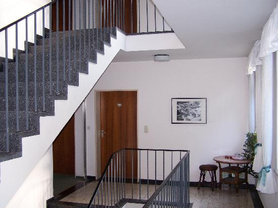 Hotel Garni Salzburger Hof: Treppenhaus
