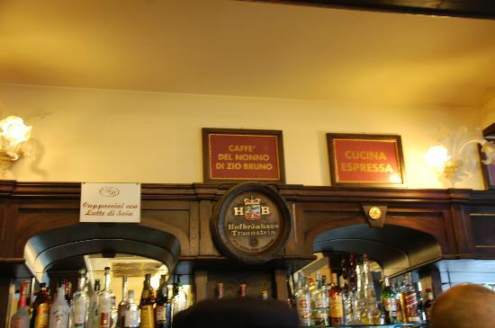 Ariston Ristorante Bar Gelateria Pasticceria: dettaglio del bar