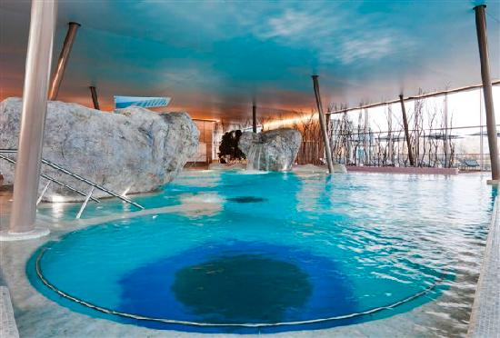 Resort barri re ribeauvill hotel voir les tarifs 1 212 for Ribeauville piscine