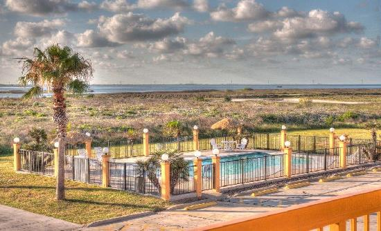 Best Western Padre Island: Pool view from second Floor