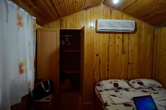 Olympos Orange Pension: aircon/heater