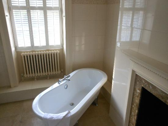 Macdonald Ansty Hall: The gorgeous bathroom