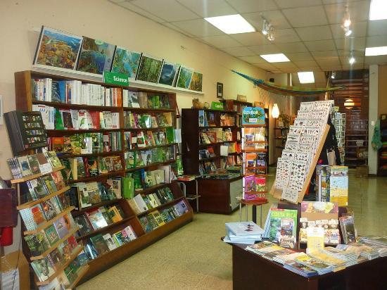 7th Street Books: Inside Bookstore Costa Rica