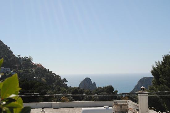 Hotel La Tosca: Panorama, con i faraglioni sullo sfondo