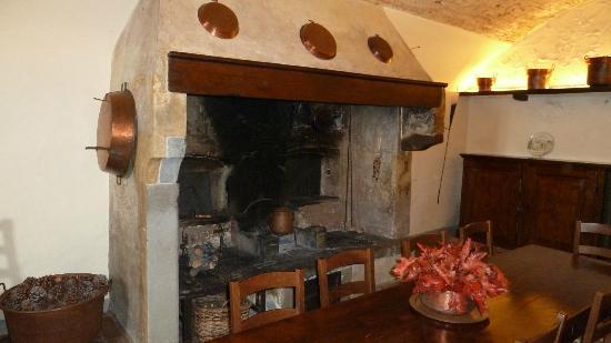Villa Talente: Camino in cucina