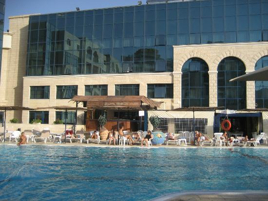 Pool picture of central park eilat eilat tripadvisor for Hotels in jerusalem with swimming pool
