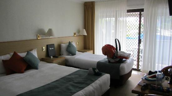 Lord Byron Resort: Bedroom view 2/2