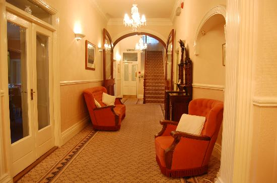Ardagh House : Hallway