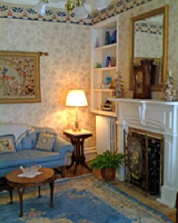 The Chancellor's House: The Parlor 2