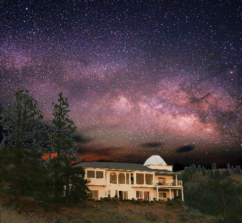 Observatory Bed & Breakfast : Observatory B&B under the rising Milky Way