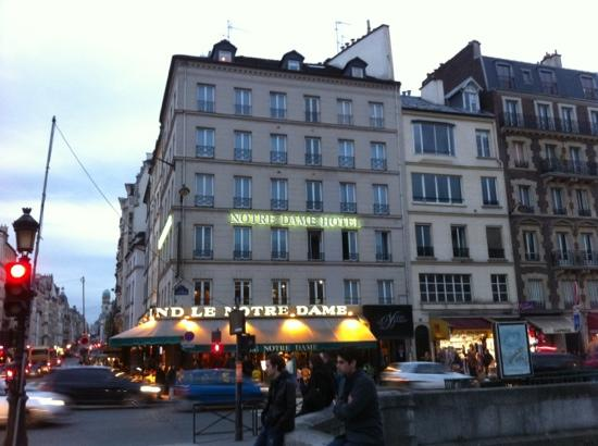 Hotel picture of hotel le notre dame paris tripadvisor for Paris hotel address