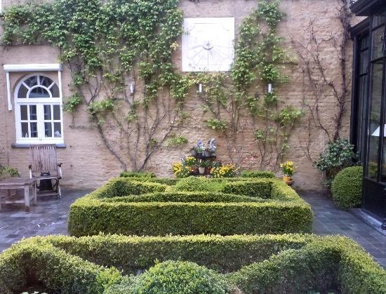Hotel Ter Duinen: Garden off lounge