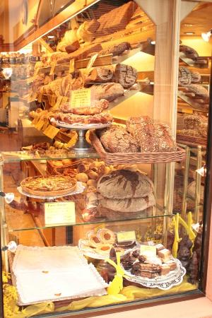 Hotel Goldener Falke: Bakery