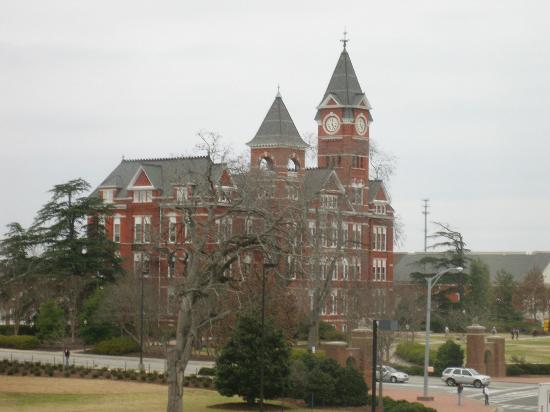 ‪ذا هوتل آت أوبورن يونيفرستي: Beautiful Auburn University‬