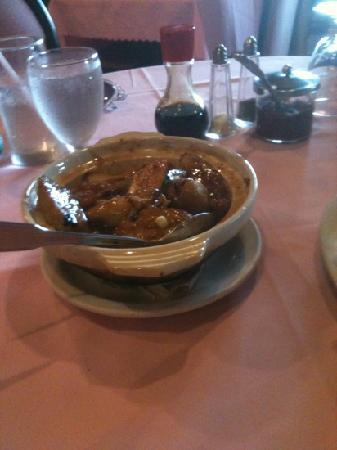 New Wei Tai Chinese Restaurant : seafood-stuffed fresh tofu hot pot