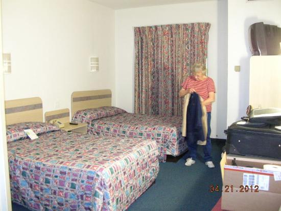 Motel 6 St Louis East - Caseyville : 2 double beds