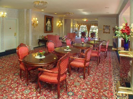 Carlyle Hotel : Breakfast Area