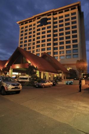 Chiangmai Grandview Hotel: good location in town