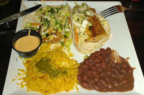 The Hub Baja Grill: Baja Fish Tacos