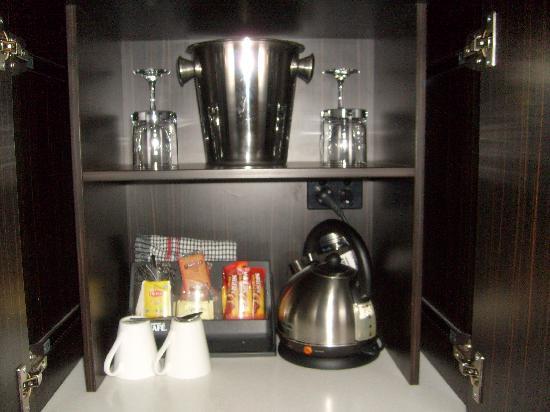 Macquarie Inn : Tea & Coffee facilities