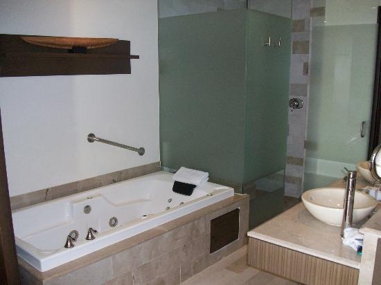 Now Amber Puerto Vallarta: hotel room